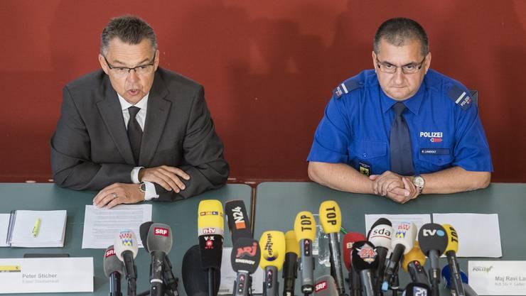 Staatsanwalt Peter Sticher und Einsatzleiter Maj Ravi Landolt gaben am Mittwoch weitere Informationen zur Festnahme von Franz W. bekannt.