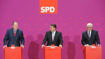 Mehr Wähler druch Kritik an Schweizer Banken? SPD Peer Steinbrück, Sigmar Gabriel, Frank-Walter Steinmeier (v.l.)