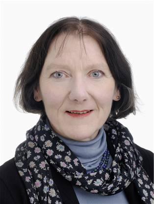 Die Entwicklungspsychologin Prof. Dr. Stefanie Stadler Elmer forscht seit mehr als 30 Jahren im Bereich der sprach-musikalischen Entwicklung. Sie lehrt an der Universität Zürich und regelmässig auch an ausländischen Universitäten. Neben zahlreichen Texten hat sie auch Bücher wie «Spiel und Nachahmung» (2000) und «Kinder singen Lieder» (2002) publiziert. Dieses Jahr erschien das Buch «Kind und Musik». Sie lebt mit ihrerFamilie in Liestal.