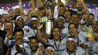 Dier Mannschaft von Gremio Porto Alegre jubelt über den Gewinn der Copa Libertadores