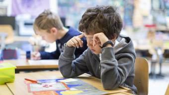 Die Zahl der Pflichtlektionen an Aargauer Schulen steigt – dafür sinkt zum Teil das Angebot an Wahlfächern.