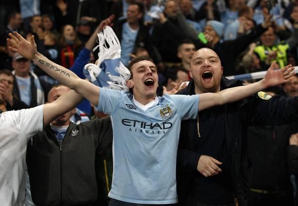 Manchester City Fans feiern das 1:0