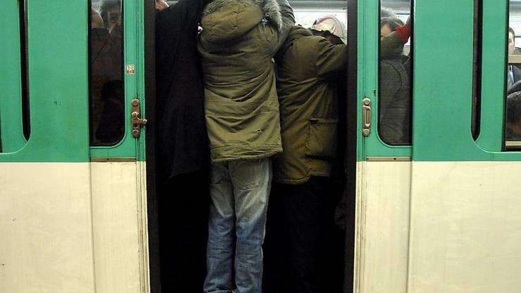 Wegen einer technischen Panne in der Pariser Metro ging auf der automatisch betriebenen Linie 14 vorübergehend nichts mehr. (Symbolbild)