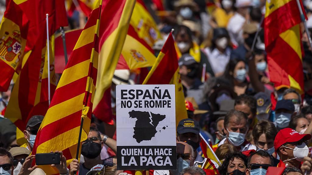 Zehntausende in Madrid gegen Begnadigung katalanischer Separatisten