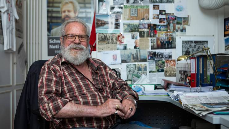Paul Wolfisberg in seinem Büro und Fussball-Museum in Horw am 10. Juni 2020 kurz vor seinem 87. Geburtstag.