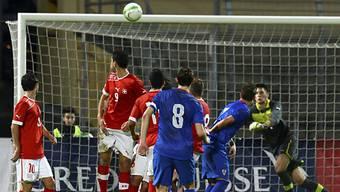 Marcelo Brozovic bringt Kroatien mit diesem Freistoss in Führung.