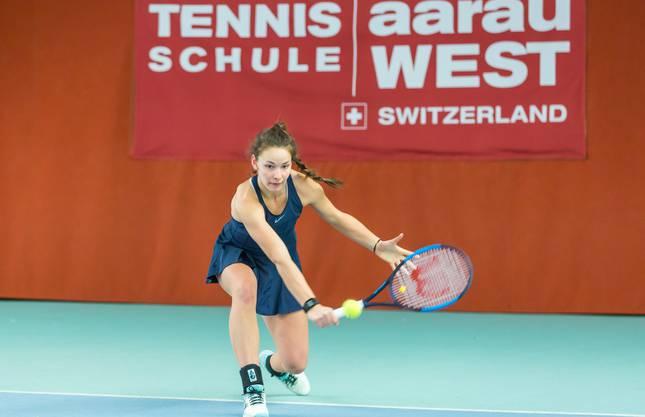 Larissa Tschenett hat sich als Qualifikantin souverän in die zweite Runde gespielt.