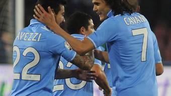 Edinson Cavani (r.) erzielte für Napoli das 2:0.