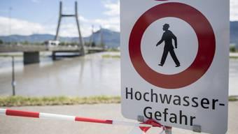 Der Überschwemmungsgefahr besonders ausgesetzt sind das Wallis, das Gebiet des Kantons Nidwalden, das St. Galler Rheintal und die Region Burgdorf BE. (Archivbild)
