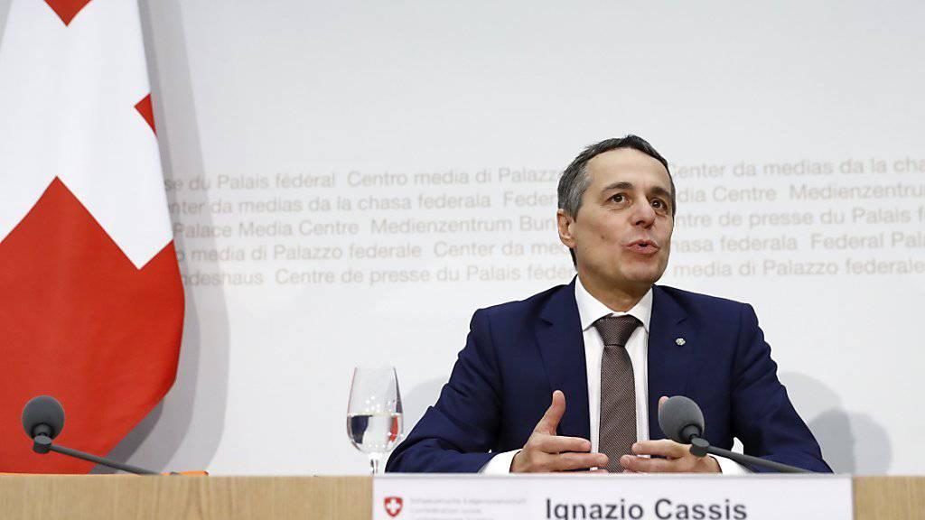 Der neugewählte Bundesrat Ignazio Cassis an seiner ersten Medienkonferenz nach der Wahl.