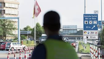Grenzübergang bei Basel: Wer ab Montag nach Deutschland will, braucht einen triftigen Grund.