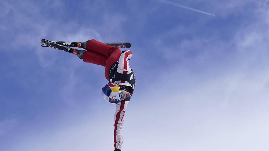 Teamleader Noé Roth führte das Schweizer Aerials-Team im Mixed-Wettkampf zum Gewinn der WM-Silbermedaille