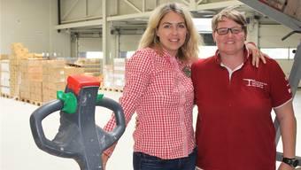 Gemeinsam gegen Food waste: Cornelia Schneider (links) und Karin Neuhaus im neuen Logistikcenter.