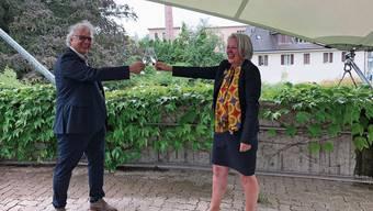 Freuen sich über die erfolgreiche Zusammenarbeit: Gemeindeammann Jürg Link und Karin Büchli vom SGF.