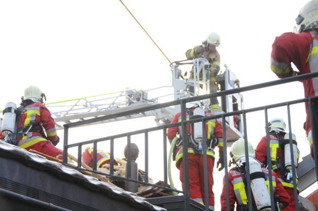 Über 100 Feuerwehrleute standen im Einsatz.