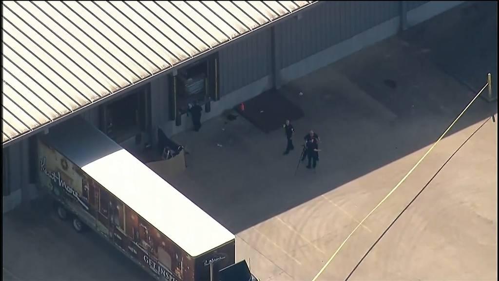 Texas (USA): Schiesserei in Möbelgeschäft - ein Toter und mehrere Verletzte
