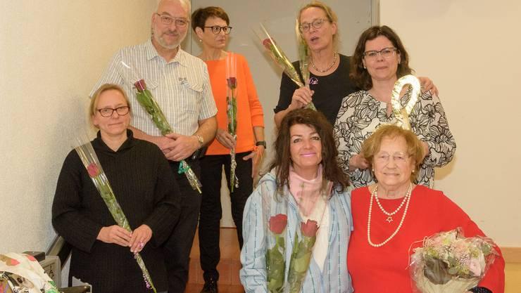 Vorne von links: Gabi Gramlich (10 Jahre Mitglied), Manuela Studer (2 Absenzen), Madeleine Bieli (90. Geburtstag), hinten Beat von Arx (1 Absenz), Ina von Woyski (20 Jahre Mitglied), Sybille Volken (Konzertorganisatorin)
