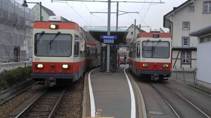 In Hölstein kreuzen sich die Kurse, am Freitag im Waldenburger «Leuen» auch: Die einen sprachen sich für eine Spurverbreiterung bei der Waldenburgerbahn aus, die anderen dagegen. (Archiv)