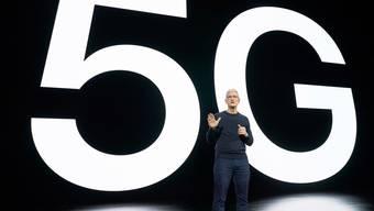 Apple CEO Tim Cook stellt die neuen Modelle und die Bereitschaft für 5G vor.