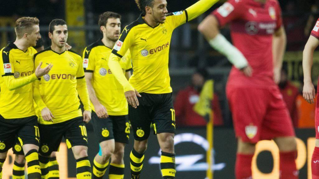 Pierre-Emerick Aubameyang (Mitte in gelb) weist Dortmund den Weg nach oben
