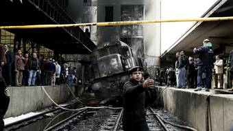 Zug kracht in Kairoer Hauptbahnhof (Februar 2019)