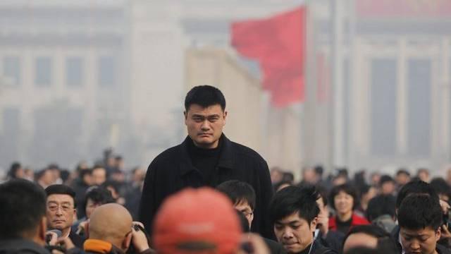 Kaum zu übersehen: Yao Ming, neues Mitglied der chinesischen Konsultativkonferenz (Archiv)