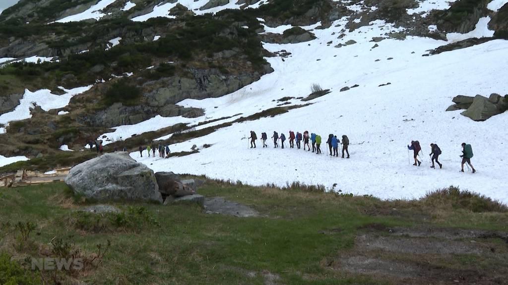 Alpenüberquerung zu Fuss: Schulklasse aus Ittigen wagt 200-km-Marsch