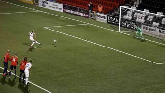 Anlauf zum Zweiten: Englands Leah Williamson verwertete den wiederholten Penalty souverän
