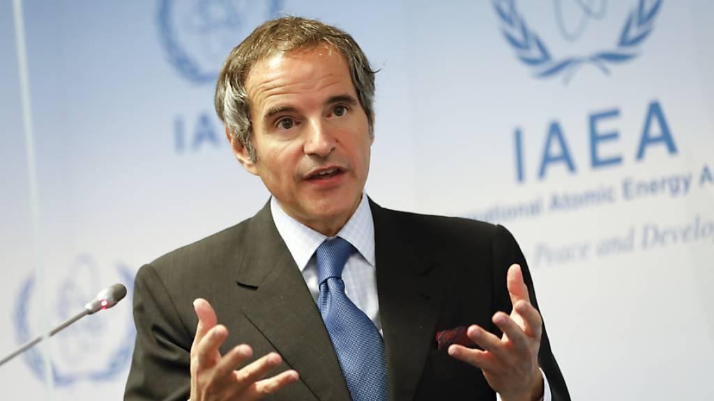 Rafael Mariano Grossi aus Argentinien, Generaldirektor der Internationalen Atomenergiebehörde IAEO, spricht während einer Pressekonferenz über die Überwachung des iranischen Atomprogramms durch die IAEO im Internationalen Zentrum.