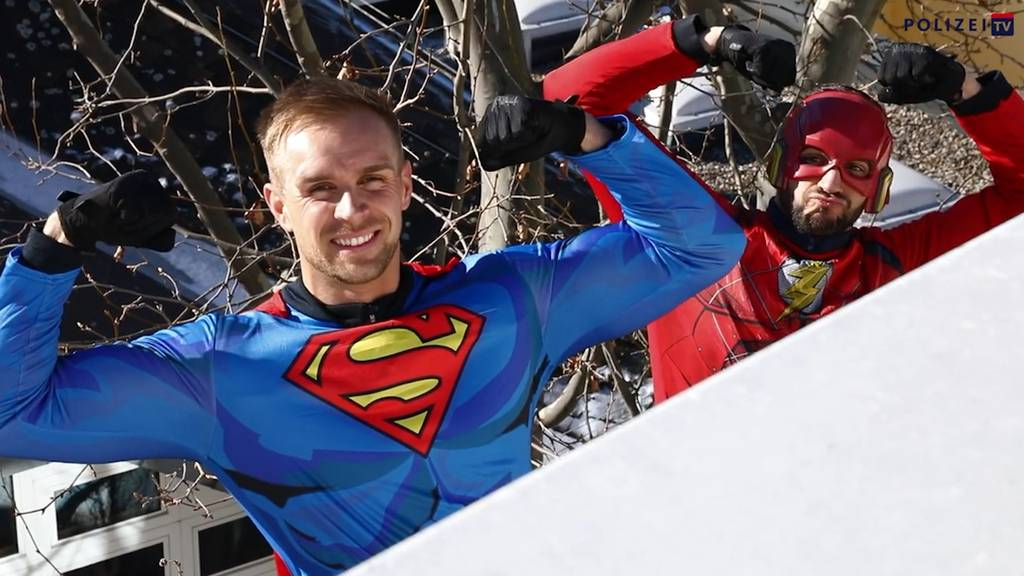 Polizei überrascht als Superhelden krebskranke Kinder
