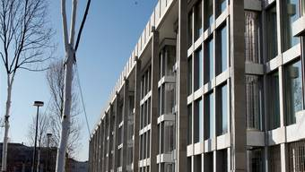 Der Neubau ist auf einem Grundstück gleich neben dem «Bürotempel» geplant.