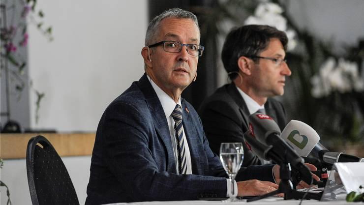 Die beiden Gesundheitsdirektoren Thomas Weber (SVP, BL) und Lukas Engelberger (CVP, BS) müssten Spitäler schliessen.