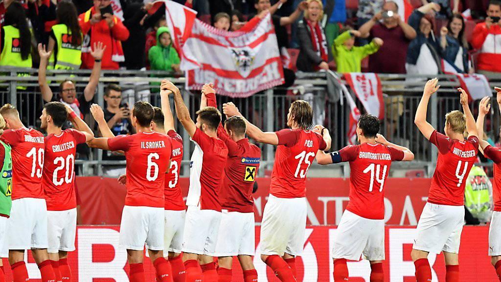 Die Österreicher lassen sich nach ihrem Coup gegen Weltmeister Deutschland feiern