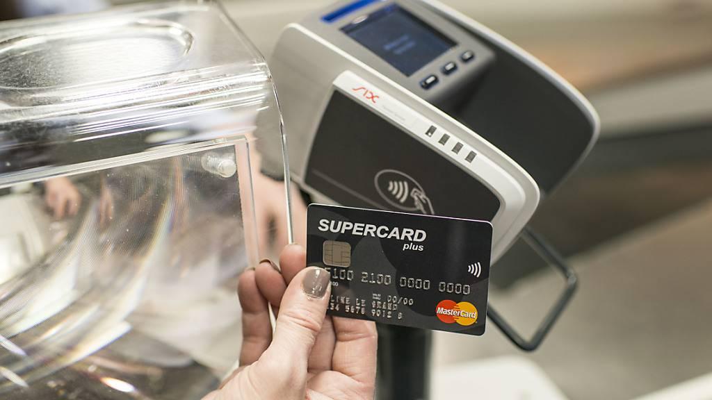Coronakrise führt zu starkem Anstieg der Kartenzahlungen