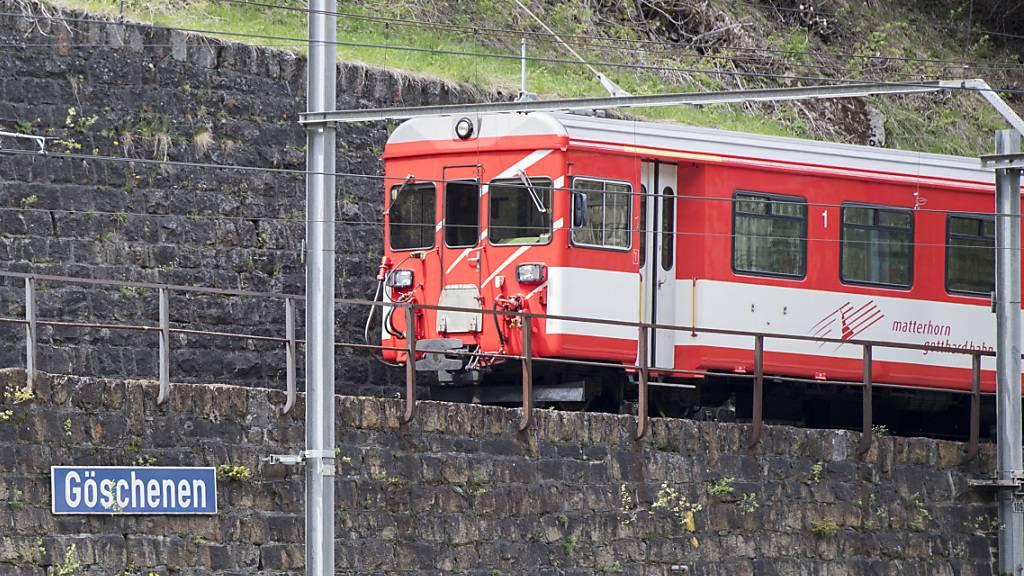 Zugstrecke von Göschenen nach Andermatt zu