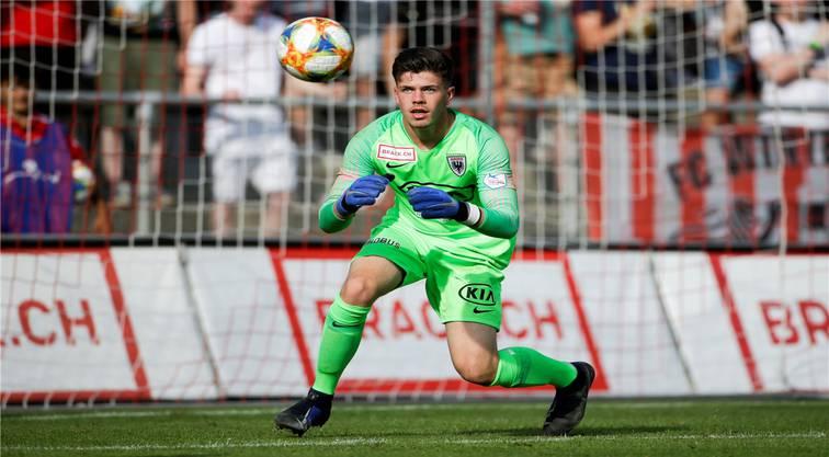 Nicholas Ammeter ist erst 18 Jahre alt, schon Stammgoalie beim FC Aarau und der Beweis, dass auch Junge Unterschlupf im Team finden