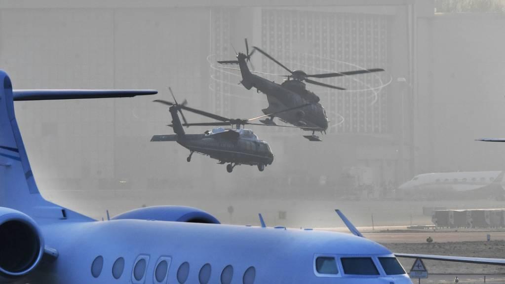 An Bord eines Helikopters ist US-Präsident Donald Trump am Dienstagmorgen von Zürich zum WEF nach Davos gefolgen.
