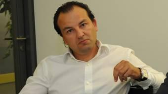 Weiss ehemalige Kunden hinter sich: Riccardo Santoro.