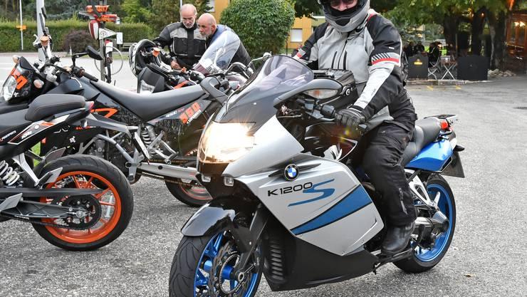 Dieser BMW-Fahrer aus Waldshut bleibt beim Benzinmotor.