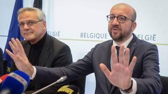 Bei einer Pressekonferenz erklärt Belgiens Premier Charles Michel , dass es Hinweise auf konkrete Bedrohungen gegeben habe.