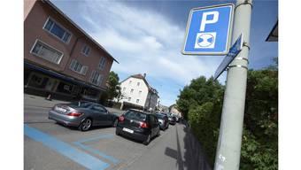 Blaue-Zone-Parkkarten sollen künftig für die gesamte Stadt gelöst werden können und nicht nur für die eigene und angrenzende Postleitzahl.