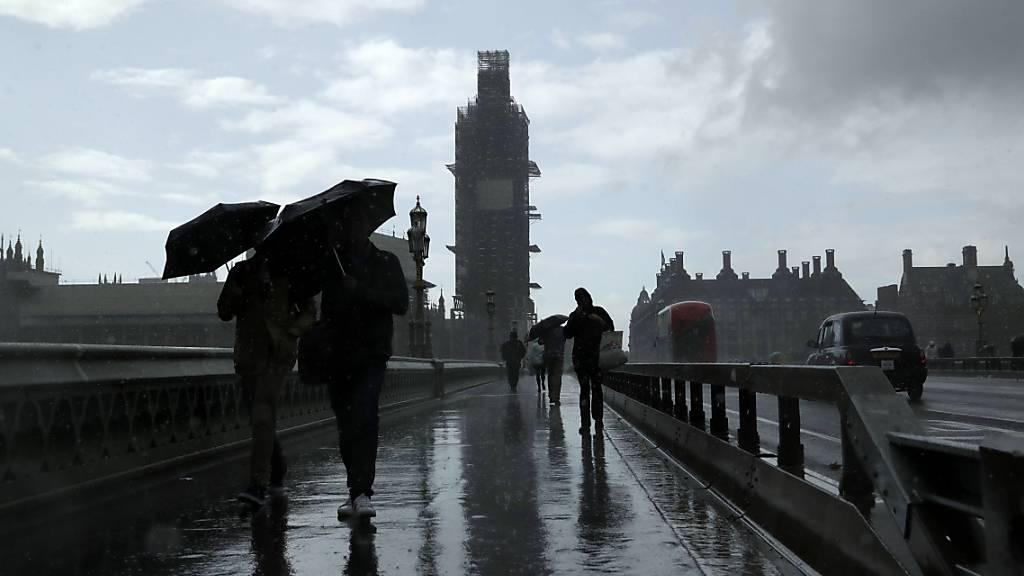 Britsche Wirtschaft steuert auf Rezession zu