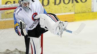 Jubelpose: Fribourg-Gottérons Goalie Benjamin Conz