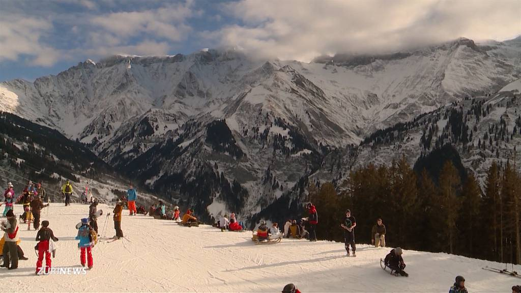 Skigebiete in einigen Kantonen wieder offen: Freud und Leid nah beieinander