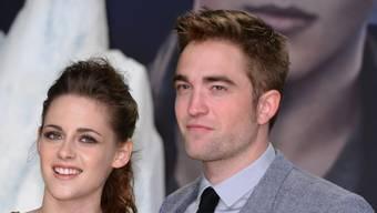 Für US-Schauspielerin Kristen Stewart (links) ist ihr britischer Kollege Robert Pattinson nicht nur ihre erste grosse Liebe, sondern auch für immer der Beste - auch wenn die beiden schon lange nicht mehr zusammen sind.