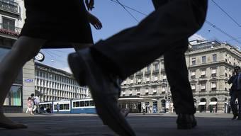 Im letzten Quartal ist in der Schweiz sowohl die Zahl der Erwerbstätigen wie der Erwerbslosen angestiegen. (Symbolbild)