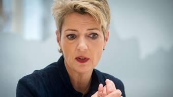 """""""Alle Länder um uns herum wollen zurück zur Normalität"""", sagt Bundesrätin Karin Keller-Sutter. Allzu rasch dürften die Grenzen trotzdem nicht öffnen."""