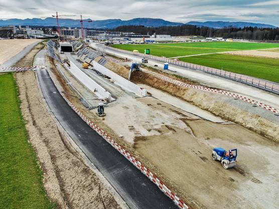 Drohnenfoto der Tunnel-Baustelle beim A1-Zubringer (Knoten Neuhof) in Lenzburg
