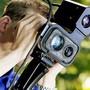 Mit einem solchen Lasermessgerät jagt die Kantonspolizei Aargau Raser.
