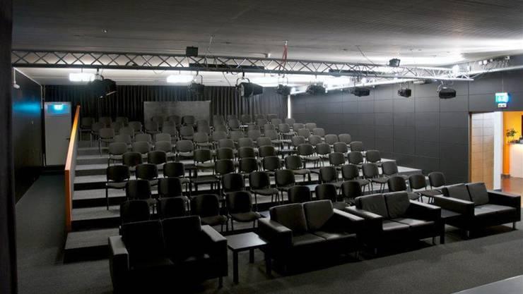 Im Theater Mausefalle in Zuchwil wird die Komödie von William Shakespeare «Ein Sommernachtstraum» aufgeführt.
